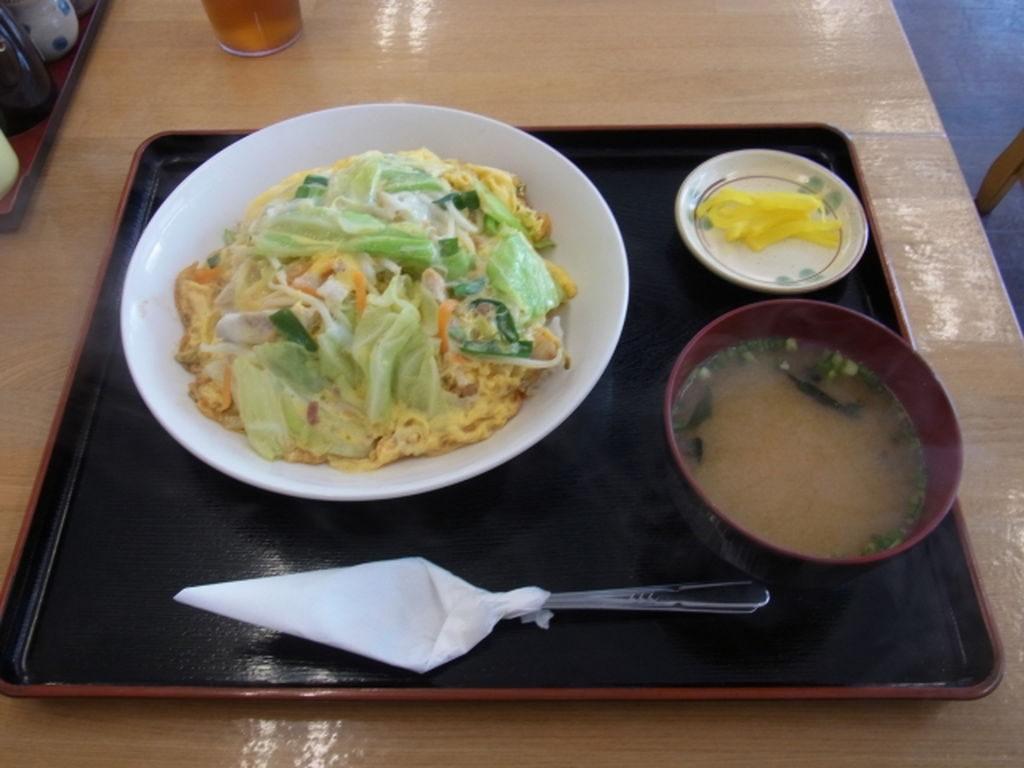 ちゃんぽんと味噌汁の定食