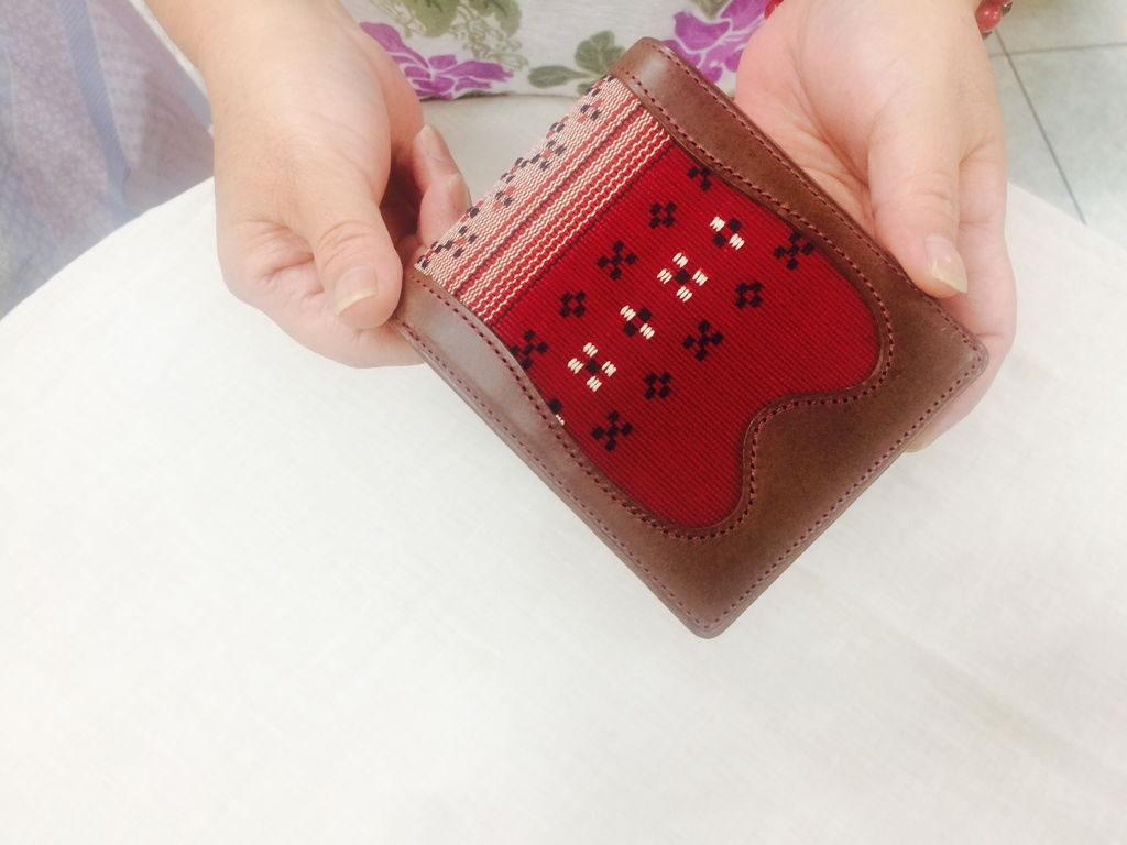 たじま屋知花花織の2つ折り財布