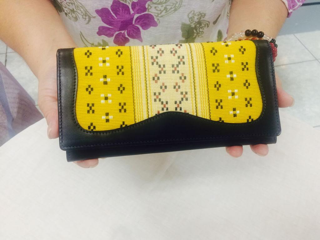 たじま屋知花花織の長財布
