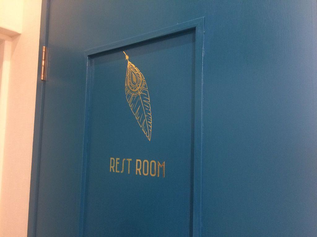 BrownRollトイレのドア