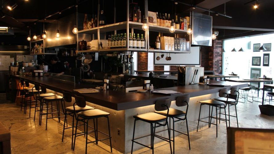 落ち着いた雰囲気でお酒を楽しみたいときにオススメ!! 沖縄市コザ鉄板料理と和食の店なかた